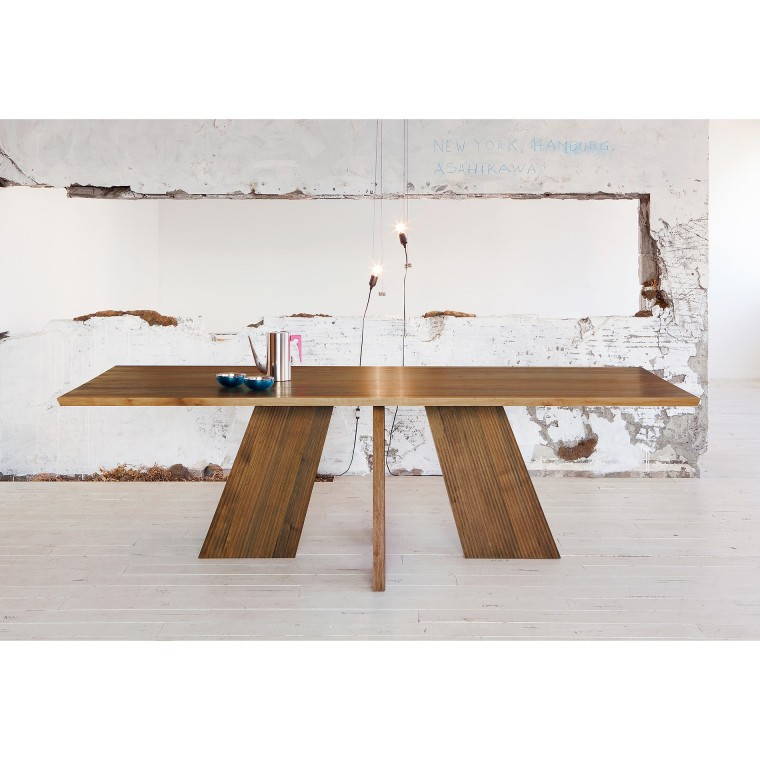 /Dining table